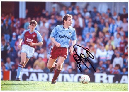 Clive Allen, Manchester City & England, signed 12x8 inch photo.